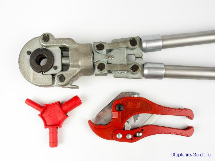 Пресс-клещи, калибратор, ножницы для резки труб.
