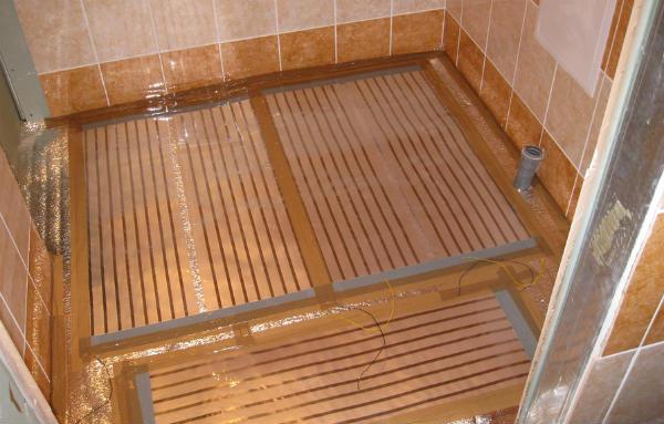 Инфракрасная пленка в одном из помещений бани