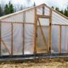 Отопление теплицы дровами: способы реализации, преимущества и недостатки